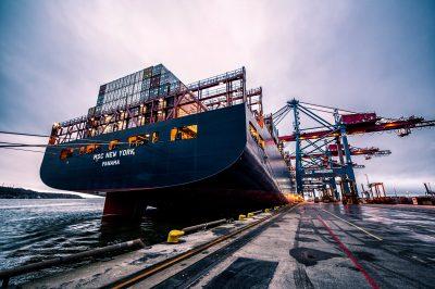 Càrrega contenidors Port